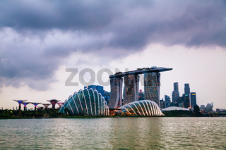 Overview of the marina bay with Marina Bay Sands in Singapore