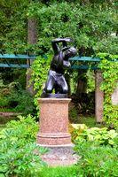 Statue of the boy in garden Oranienbaum – Lomonosov,