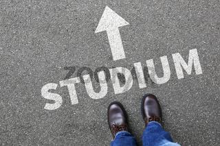 Studium studieren Student Uni Universität Konzept