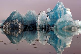 Nebeliger Morgen an der Gletscherlagune