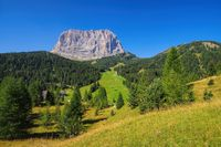 Langkofel in Dolomiten - mountains Langkofel in Dolomites