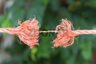 Seil kurz vor dem zerreissen