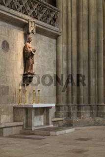 Marienfigur im Dom St. Peter in Regensburg
