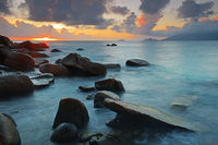farbenprächtiger Sonnenuntergang am Anse Soleil,  Insel Mahe, Se