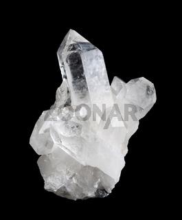 Bergkristall vor schwarzem Hintergrund