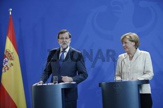 Merkel and  Rajoy in Berlin - press conference.