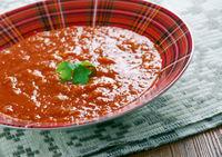Lithuanian tomato soup