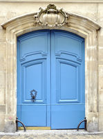 A blue door in Paris