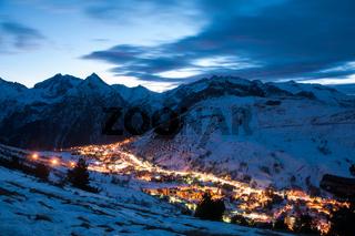 Les deux alpes at night