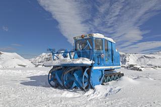 Schneeräumgerät, Eisbrecher, auf der Großglockner Hochalpenstrasse, Hohe Tauern Nationalpark, Kärnten, Österreich, Europa