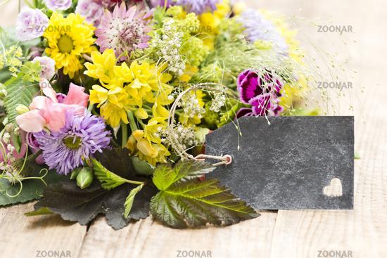 Blumenstrauss mit Anhänger
