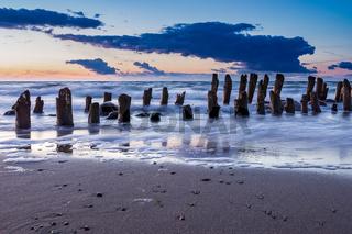 Buhne an der Küste der Ostsee
