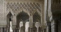 Maurische Architektur mit Arabesken