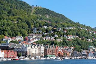 Blick vom Hafen auf die Altstadt von Bergen