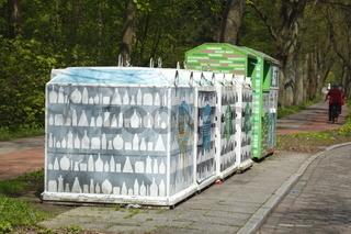 Sammelbehälter für Glas, Textilien, kleine Elektrogeräte, Wertstoffe, Bremen,Deutschland
