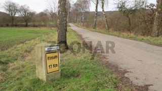 Historischer Kilometerstein in Alverdissen