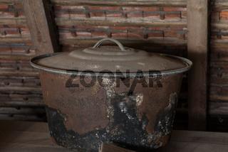 Kochkessel auf Dachboden