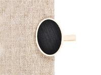 Tafel mit Holzklammer auf Leinen  - Board with wooden peg on linen