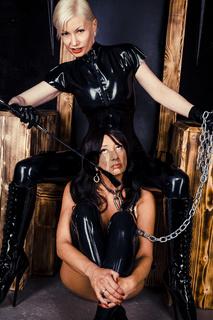 Domina und Sklavin