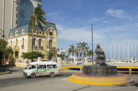 Statue Homenaje a la Etnia Tayrona at Santa Marta (Colombia)