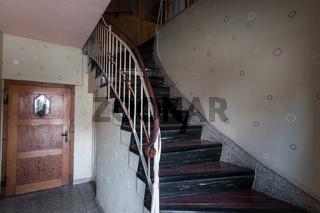Treppenhaus in altem Wohnhaus