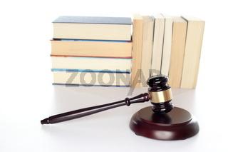 Dokumente mit Gesetzhammer