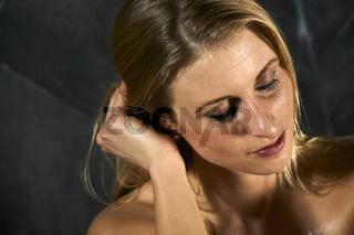 Junge Frau im Sole-Laist Dampfbad der Rupertustherme Bad Reichenhall