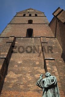Hannover - Lutherdenkmal vor der Marktkirche