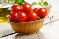 Mozzarella, tomatoes, basil and oil