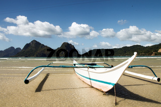 boat on Corong corong beach