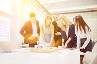Business Team bei Workshop