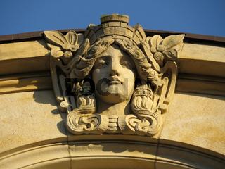 Steinkopf am Hamburger Kontorhaus Ferdinantstraße
