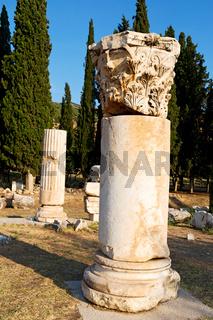 and  roman temple history  asia turkey the column