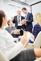 Diskussion zwischen Manager und Berater