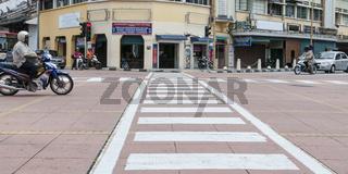 Strassenansicht - Strassenueberquerung