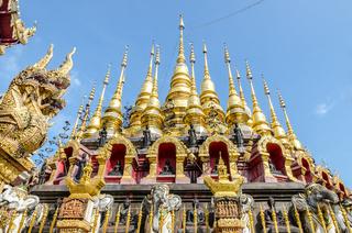 Golden pagoda at Wat Phra That Su Thon Mongkhon Khiri Samakkhi