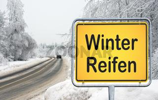 Winter Reifen Reifenwechsel KFZ Auto Fahrzeug Schnee
