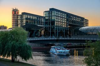 Am Spreeufer in Berlin