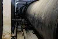 Pipe system and boiler for thermal water