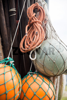 Bojen und Netze