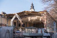 House demolition with demolition - marodes building is destroyed