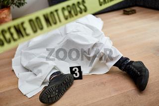 Leiche nach Mord am Tatort
