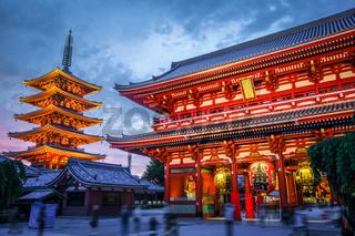 Kaminarimon gate and Pagoda, Senso-ji temple, Tokyo, Japan