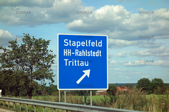 highway sign stapelfeld, hamburg-rahlstedt, trittau