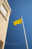 yellow flag at beach