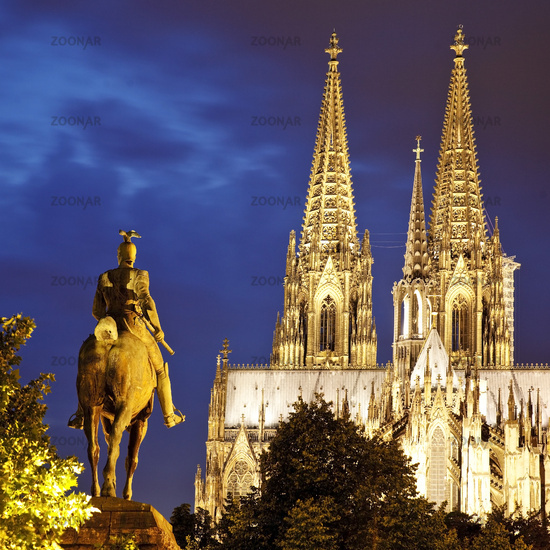 Kaiser Wilhelm II. monument and Cologne Cathedral in the evening, Cologne, Germany, Europe