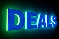 word DEALS with neon light