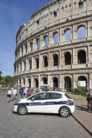 police car, Colosseum, amphitheatre, Rome, Italy, Europe