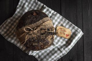 Rye bread with handwritten message etiquette