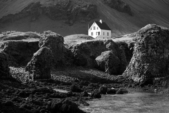 Detached house on the Baslat coast, Arnarstapi, Snæfellsnes, Vesturland, Iceland, Europe